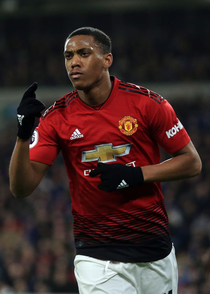 BREAKING: Anthony Martial is close to agreeing a new five-year contract with @ManUtd, Sky Sports News understands. #SSN  Read more on Transfer Centre LIVE!  http:// skysports.tv/dkDdcn  &nbsp;  <br>http://pic.twitter.com/BZyUwpyRpA