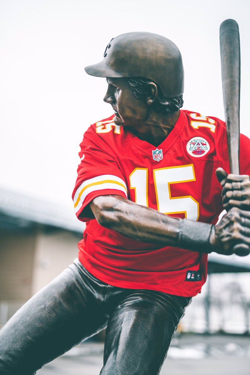 Real recognize real.  #RedFriday | #LetsRoll https://t.co/0zyDr0bWnx