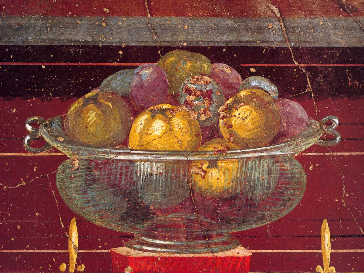 Glass vase filled with fruit (pomegranates), detail of #fresco in a room of the splendid Villa of Poppea in #Oplontis.<br>http://pic.twitter.com/UkwlBp23Rq