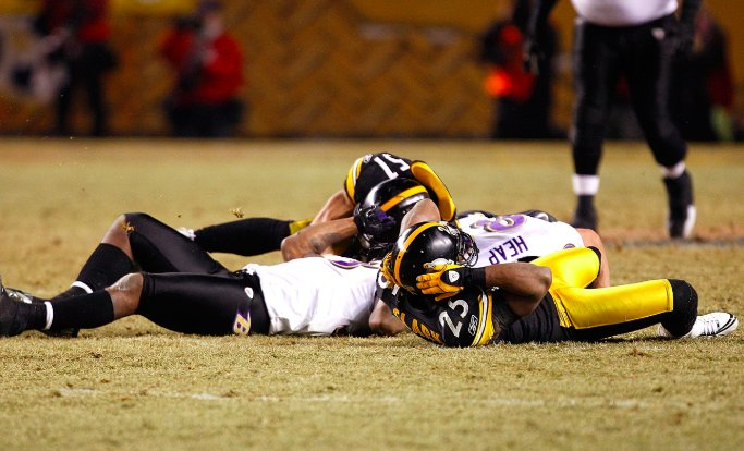 Ten years ago today: AFC Title Game b/t 2008&#39;s two best teams... - Most brutal game I&#39;ve ever seen (three Ravens ko&#39;d)  - Polamalu&#39;s pick-six sends PIT to the Super Bowl = the greatest moment in @heinzfield history - Clark/McGahee like Balboa/Creed = Defining image of the rivalry<br>http://pic.twitter.com/ufH9lBwDPO