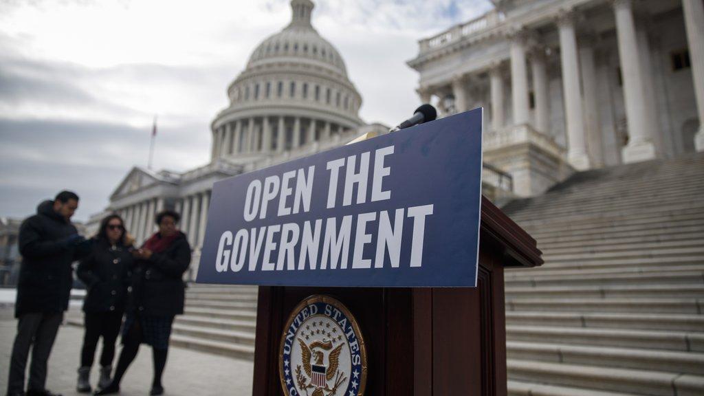 Le shutdown n'est pas près de se terminer https://t.co/8UWtr3wXhU | #Trump #Pelosi