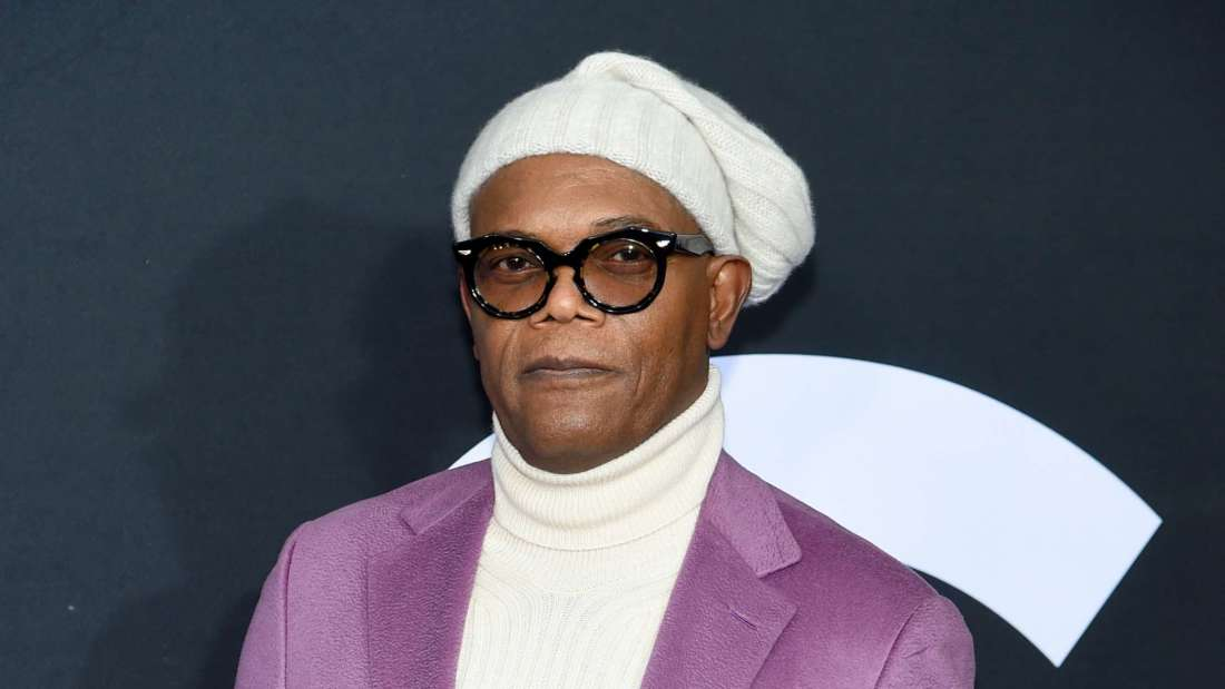 I need Samuel L. Jackson to teach me his looking-cozy-as-fuck ways!