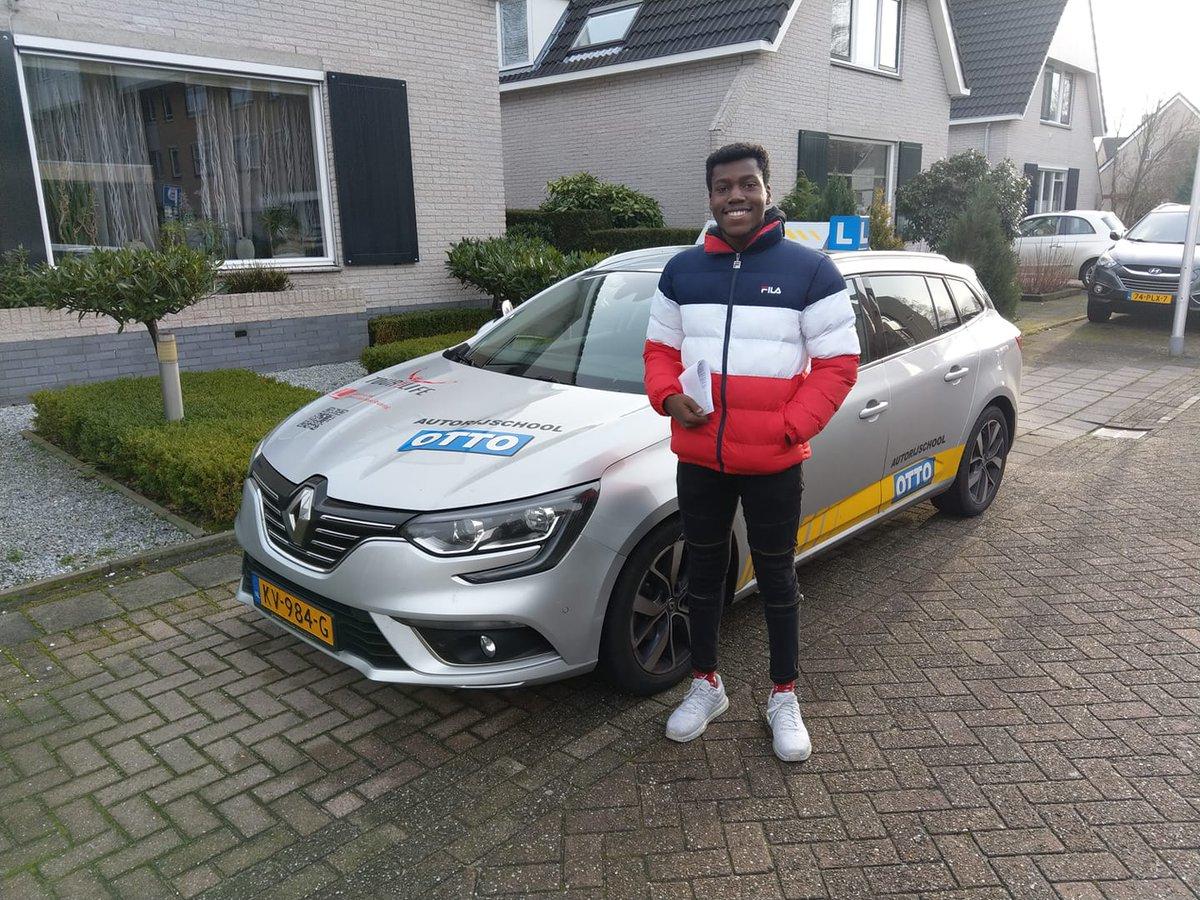 test Twitter Media - Yvalson Antoine gefeliciteerd met het behalen van je rijbewijs! Keurig gedaan. https://t.co/qNQxuZ3Ogf