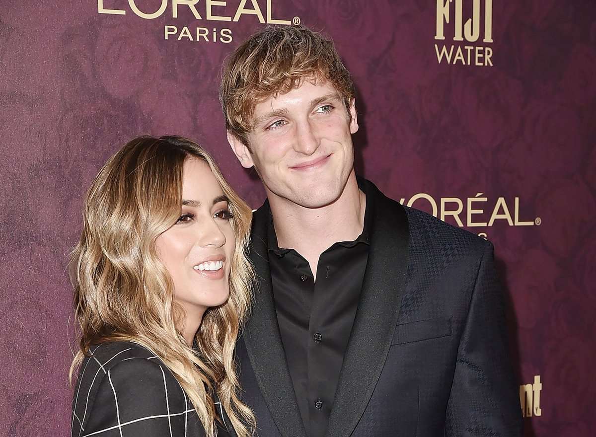 Logan Paul's ex-girlfriend Chloe Bennet just commented on his Instagram, and their interaction was equal parts hilarious and cringe-inducing. >> https://t.co/93Q0l0CxxJ