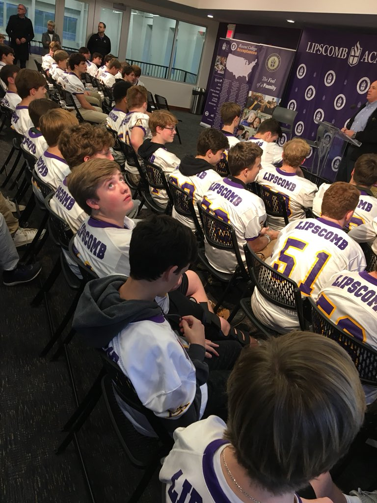 Chris Harris On Twitter Big Crowd At Lipscombacademy As The