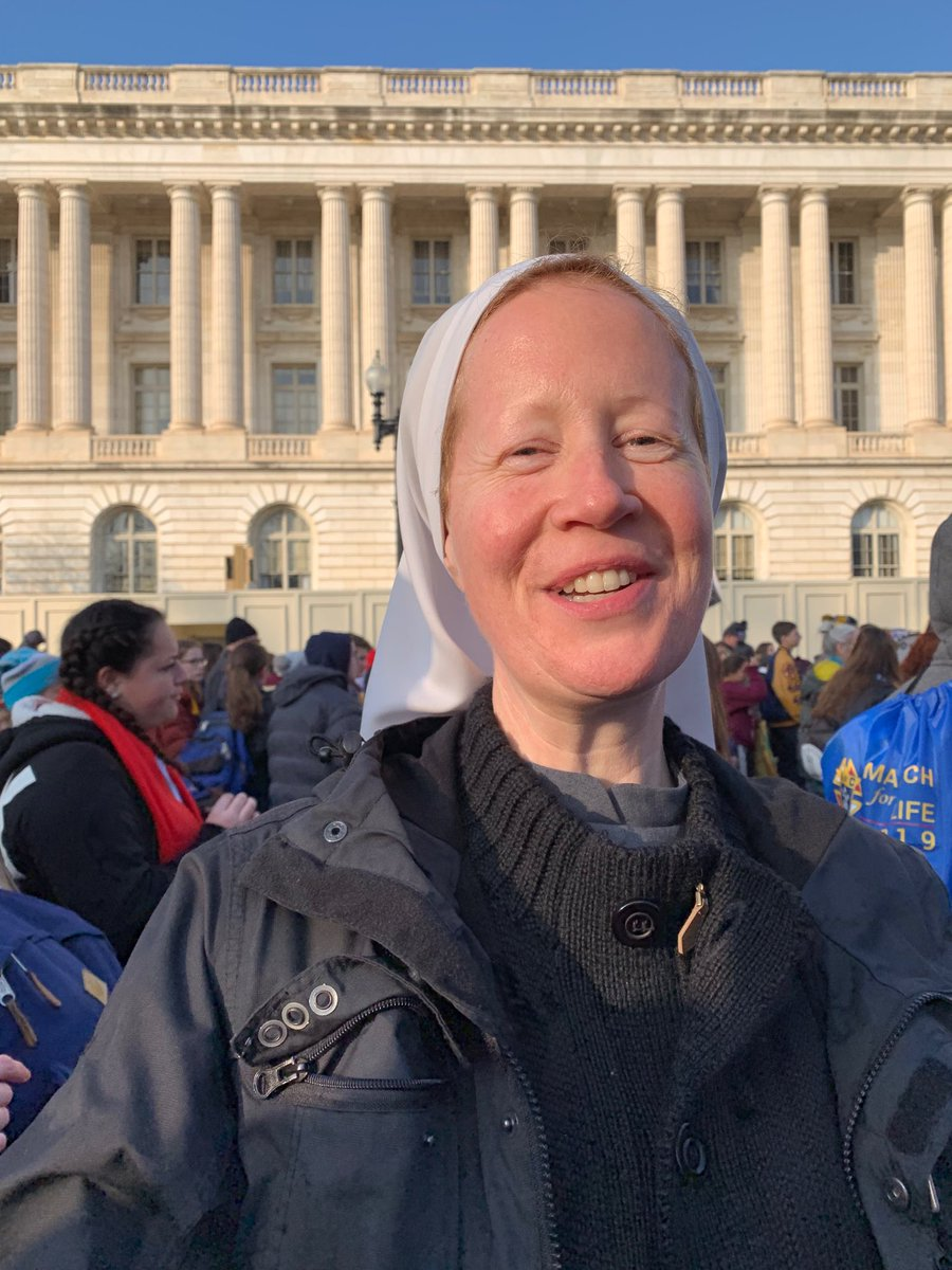 Somehow Sr Miriam and I keep finding one another in crowds! @March_for_Life #WhyWeMarch