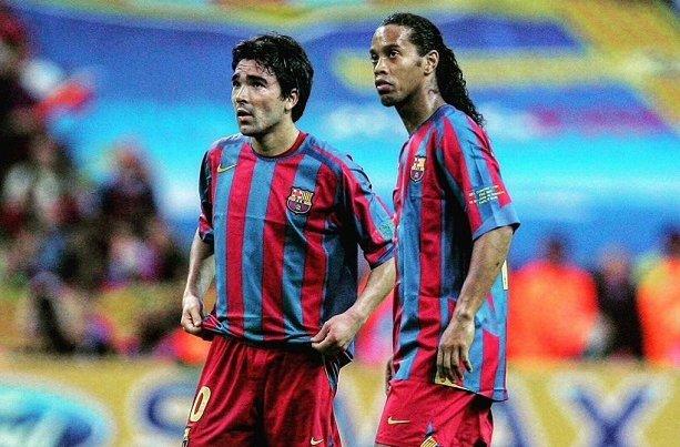 Deco a joué avec Messi et Cristiano. Pourtant, il a déclaré :  'Messi et Cristiano sont très grands, mais Ronaldinho est le meilleur' 🔥🇧🇷