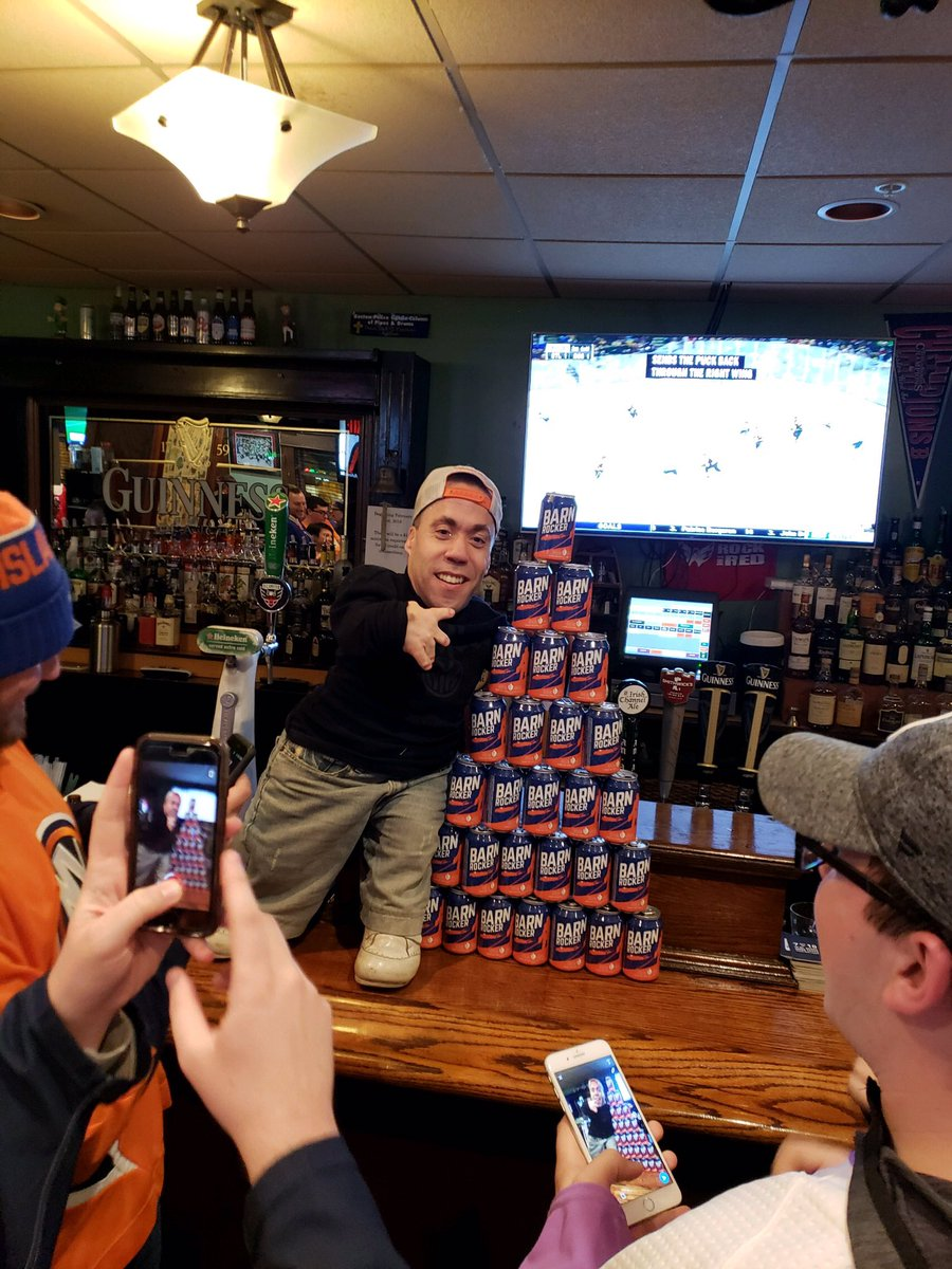It's safe to say shipping Barn Rocker down to DC was a fantastic idea @OysterBayBrewin #isles  #islesmeetups #onlydiehards #uniteandfight <br>http://pic.twitter.com/6gYFjXx7Wp