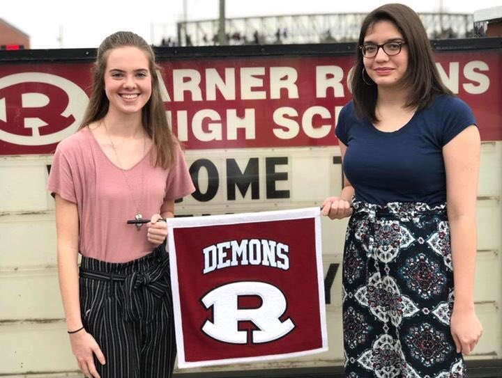 Congratulations to the @WarnerRobinsHS Class of 2019 Top 5! Valedictorian Emily Howell, Salutatorian Sandra Bourdon, Jessica Henry, Oliver Hinton, and Marta Bourdon. What an amazing group of student leaders. DEMON PRIDE!