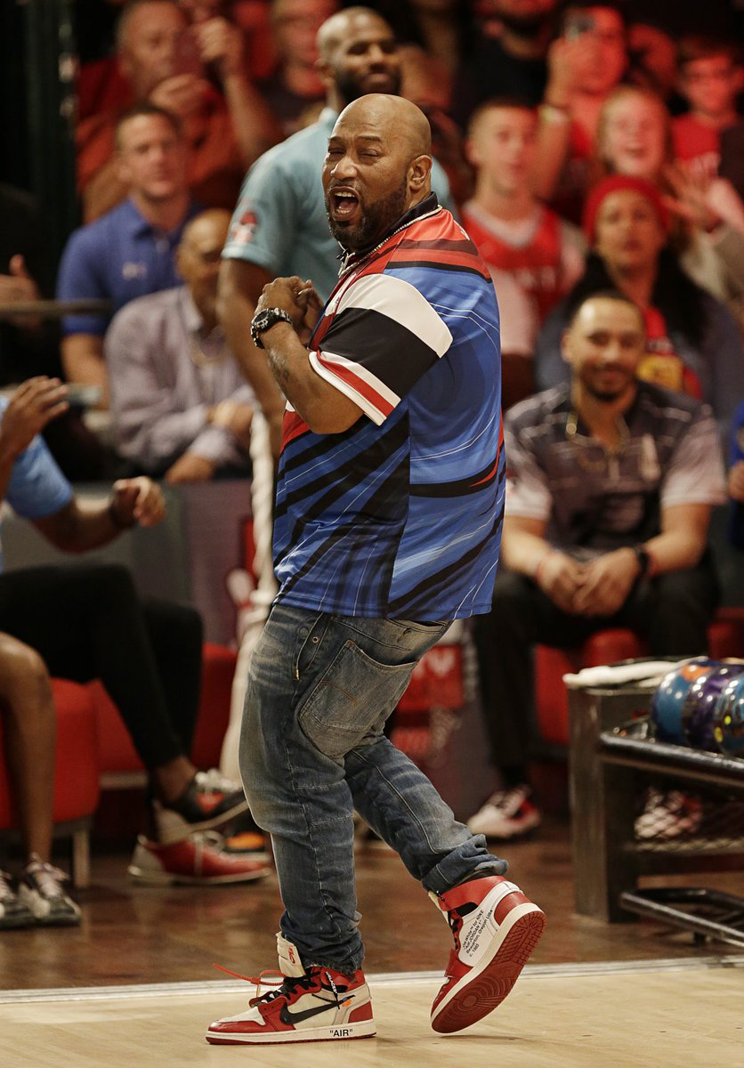 .@cp3 and his friends bowl different 🎳 📸: Bob Levey
