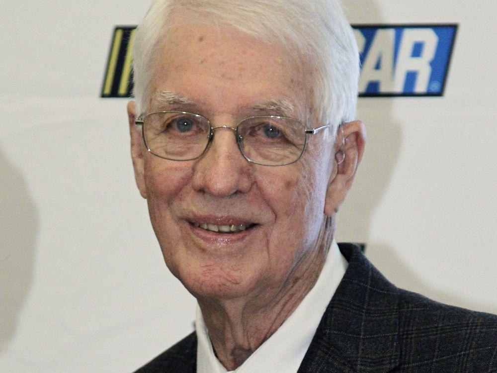 Auto racing pioneer Glen Wood dies at 93 https://t.co/6OUbsRwllJ #WoodBrothersRacing #NASCAR #Obituaries