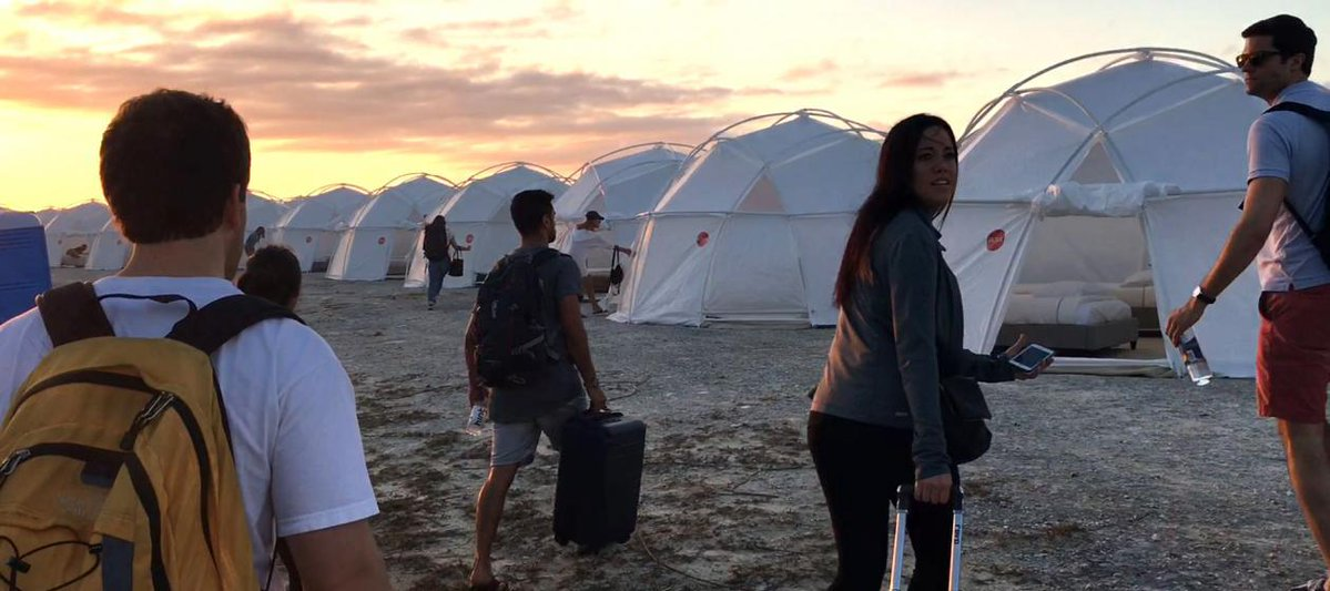 The 17 most insane moments from the Fyre Festival documentaries: https://t.co/0oGfdHhPe7