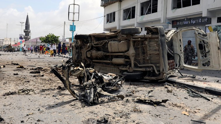 Colombian ELN rebels allegedly behind deadly car bomb  Colombia's ELN rebel group was responsible for the car bomb attack against a police academy that killed at least 21 and injured dozens, the government said. https://t.co/obwDW6xLJx
