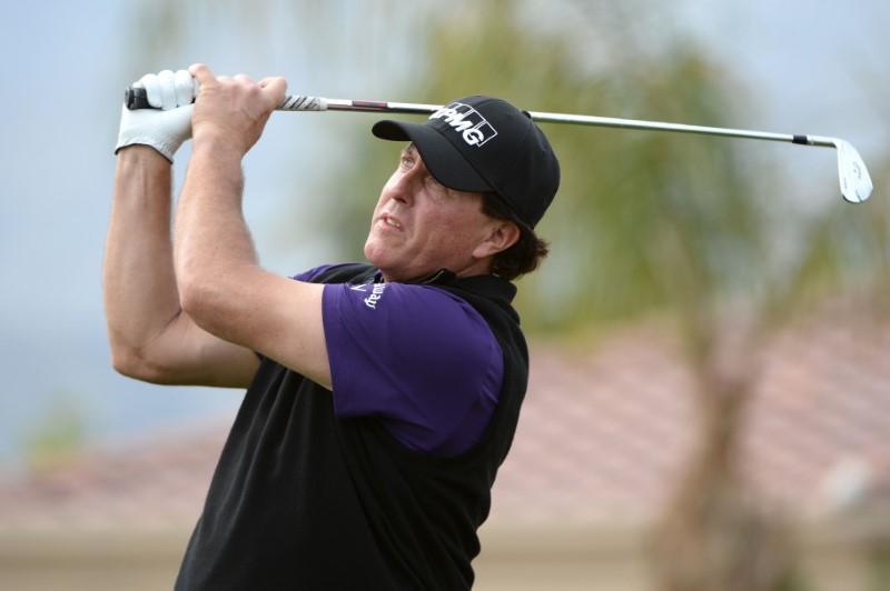 Golf: Late birdie run keeps Mickelson ahead at Desert Classic https://reut.rs/2Dl9twI