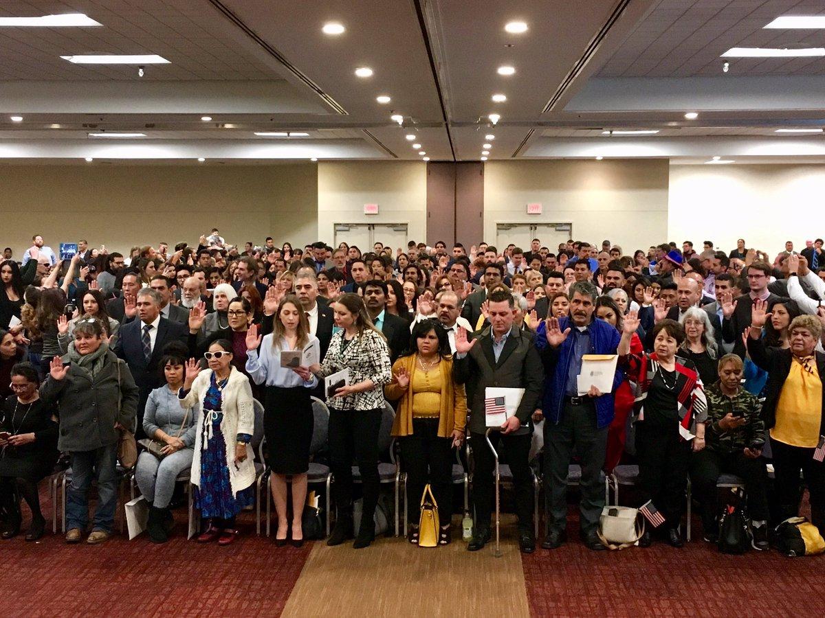 Congratulations to the 195 new U.S. citizens sworn in today in Albuquerque. #NM