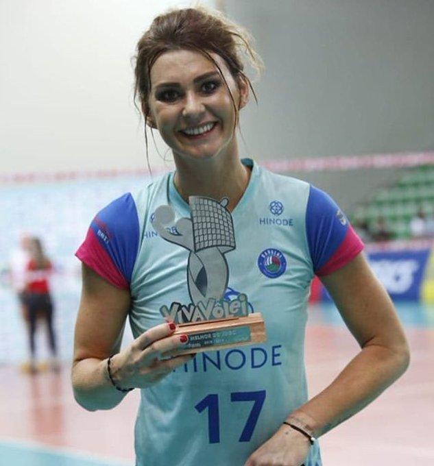 Superliga Feminina 18/19 A carinha de quem é a dona dessa temporada da Superliga. Kasia Skowronska ícone!! 🏐💙 #VoleiNoSportv #Superliga Photo