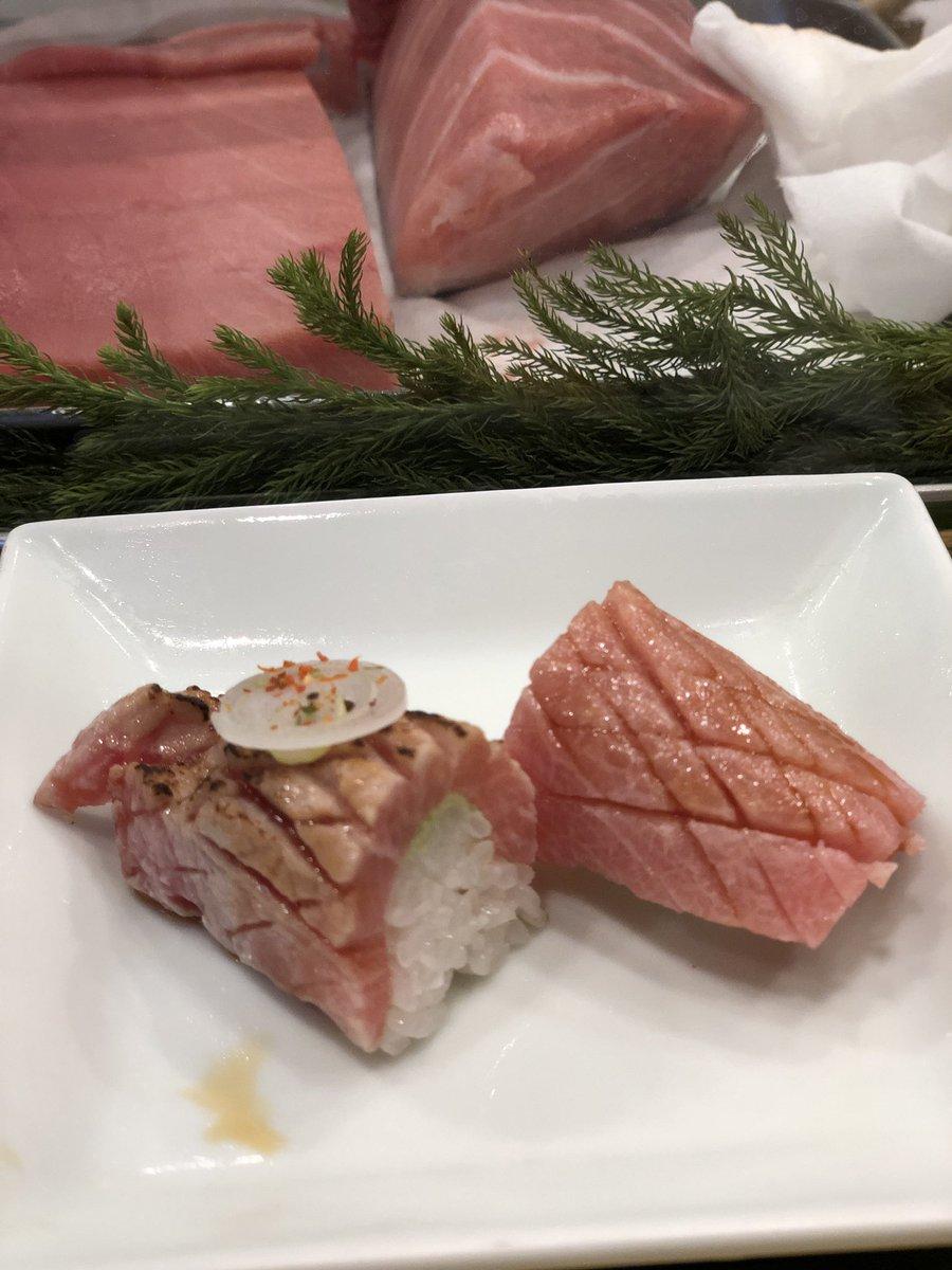 豊洲新市場内で朝から家族でお寿司。美味い♡!!!!! 地元住民の特権じゃ