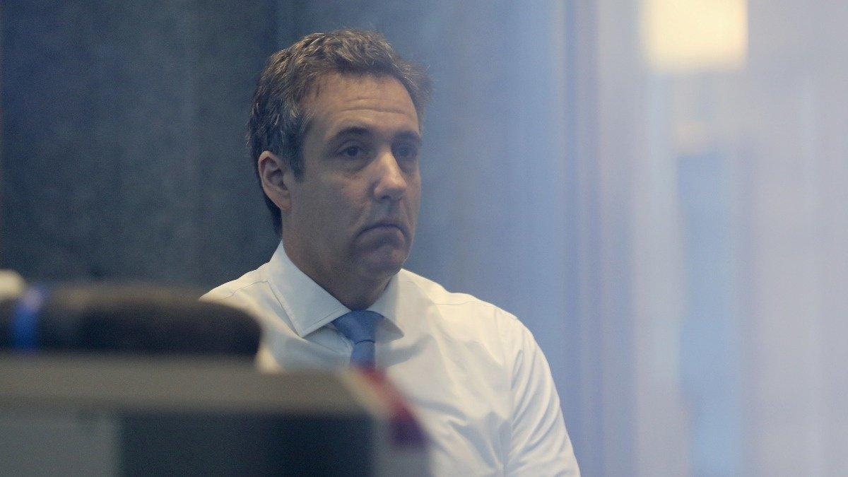 Democrats to probe report Trump told lawyer to lie https://reut.rs/2DliHJA