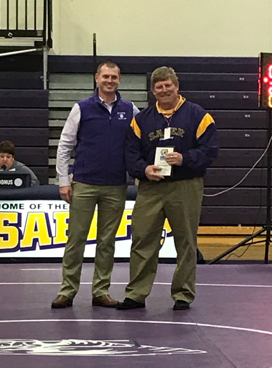 It was a very special privilege to present @KreiterKurt with our Appreciation Award last night. No one has done more to provide Saber Wrestling with the foundation for success we enjoy today. And few people have been more influential in shaping the man I am today. Thanks Coach. <br>http://pic.twitter.com/147LF0nWD0