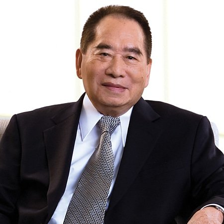 #BreakingNews | SM Group founder Henry Sy Sr. has died peacefully in his sleep early Saturday morning at the age of 94.  Born in Jinjiang City, Fujian, China on Oct. 25, 1924, Sy and his family migrated to Manila in 1936 in search of a better life. <br>http://pic.twitter.com/PDSn32m5Yv