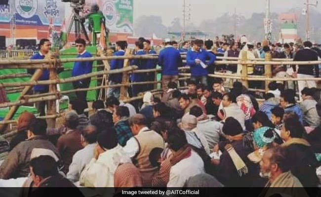 Kolkata's Brigade Parade Ground is all set to host Trinamool chief Mamata Banerjee's mega rally for a grand alliance of opposition parties this noon, with political leaders from all corners of the country joining in  Track LIVE updateshttps://t.co/a8HnOWouQZ: