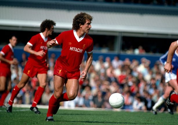 Liverpool ไม่แพ้เกมพรีเมียร์ลีกในบ้านมาแล้ว 31 นัดติดต่อกัน แต่นั่นยังไม่ถึงครึ่งสถิติไม่ติดต่อกันยาวนานสูงสุดของสโมสรที่เคยทำได้ถึง 63 นัดช่วงตั้งแต่กุมภาพันธ์ 1978 - ธันวาคม 1980 #lfcthai