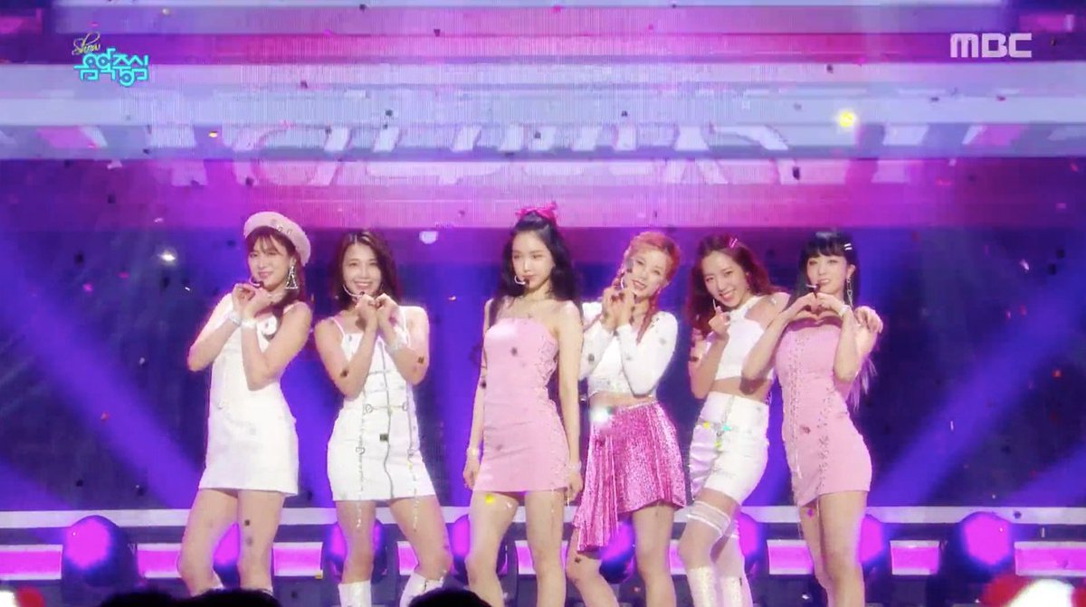WATCH: #Apink Performs '%%' On 'Music Core' https://t.co/PgnROczENJ https://t.co/n8woI4bEh8