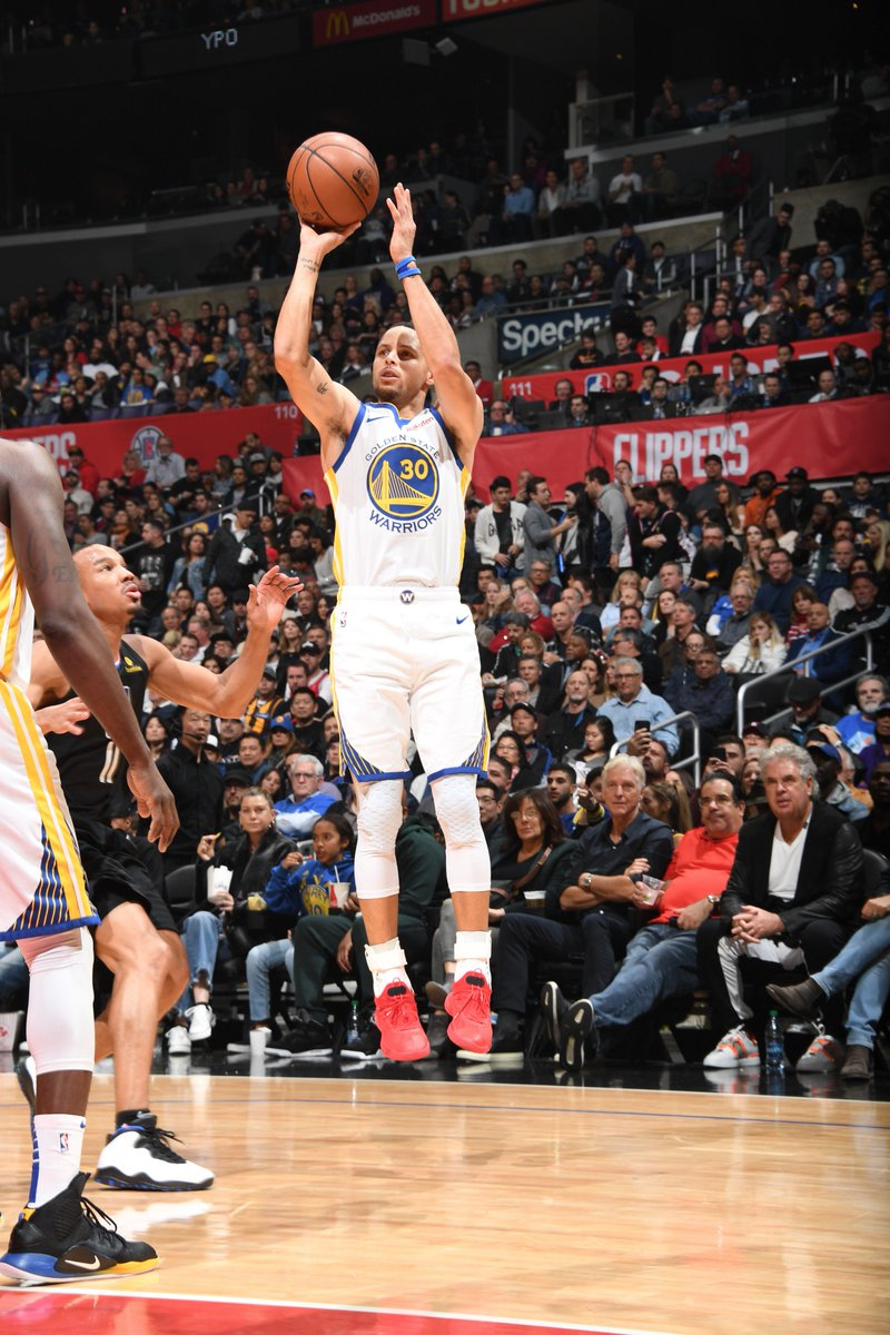 13-4 start to the 4th for the @warriors!  #DubNation 94 #ClipperNation 76  WATCH on @ESPNNBA