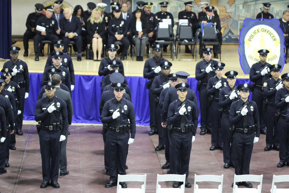 .@cityofdavispd #OfficerNatalieCorona was laid to rest this morning while 51 LAPD recruits graduated from our academy.  A heartbreaking contrast—Horrific loss in the midst of new beginnings—challenges.  Whether to celebrate or grieve..  Blessed are the Peacemakers <br>http://pic.twitter.com/iB0q0Sl11G