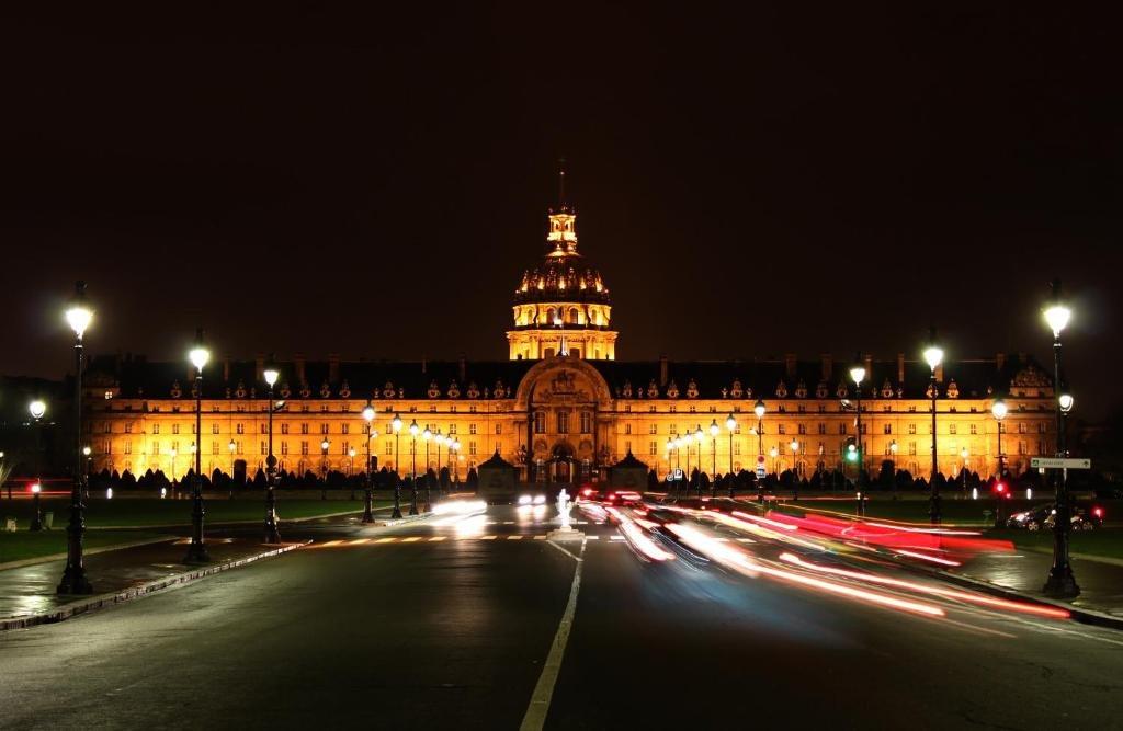 RT @ParisAMDParis: Esplanade des Invalides       Paris https://t.co/T02hzeefV6