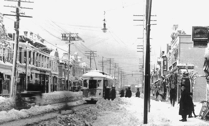 Image of the blizzard of 1913 impeding traffic on W. 25th St. in #Cleveland.   Click here to read more about other epic #Cleveland snowstorms:  https://case.edu/ech/articles/b/blizzards…   #CleStartsHere #PhotobyWRHS #cwru #snowpocalypse2019 #theland #ohio #thiswascle #ThisisCLE