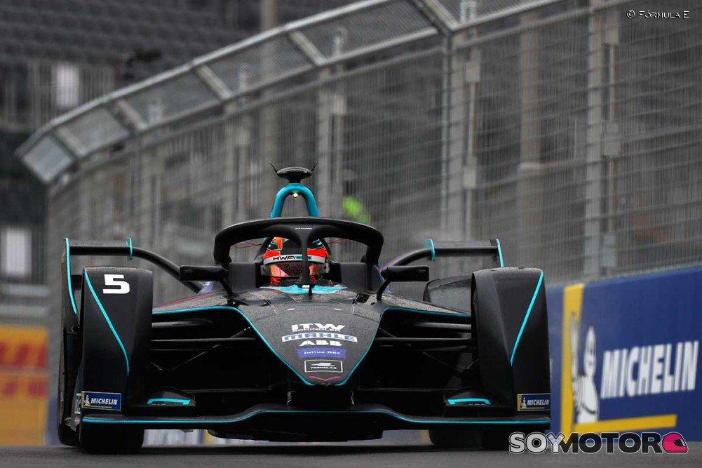 RT @SoyMotorCoches: .@svandoorne ve positiva su llegada a la Fórmula E -https://t.co/FQzcd4HVsB  #FormulaE https://t.co/UrKFiVTNgd