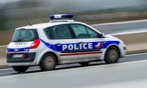 Lyon: un homme interpellé pour avoir incendié sa voiture avec des bonbonnes de gaz https://t.co/eTLBfFIGNw