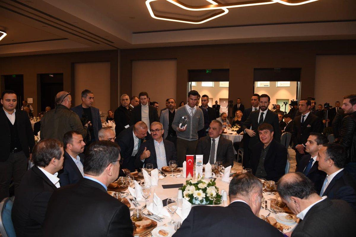 Fenerbahçe Taraftarı Yıl Dönümünde Tarihi Zaferi Kutluyor İşte 6 Kasım Kutlamaları ve Tepkiler 82