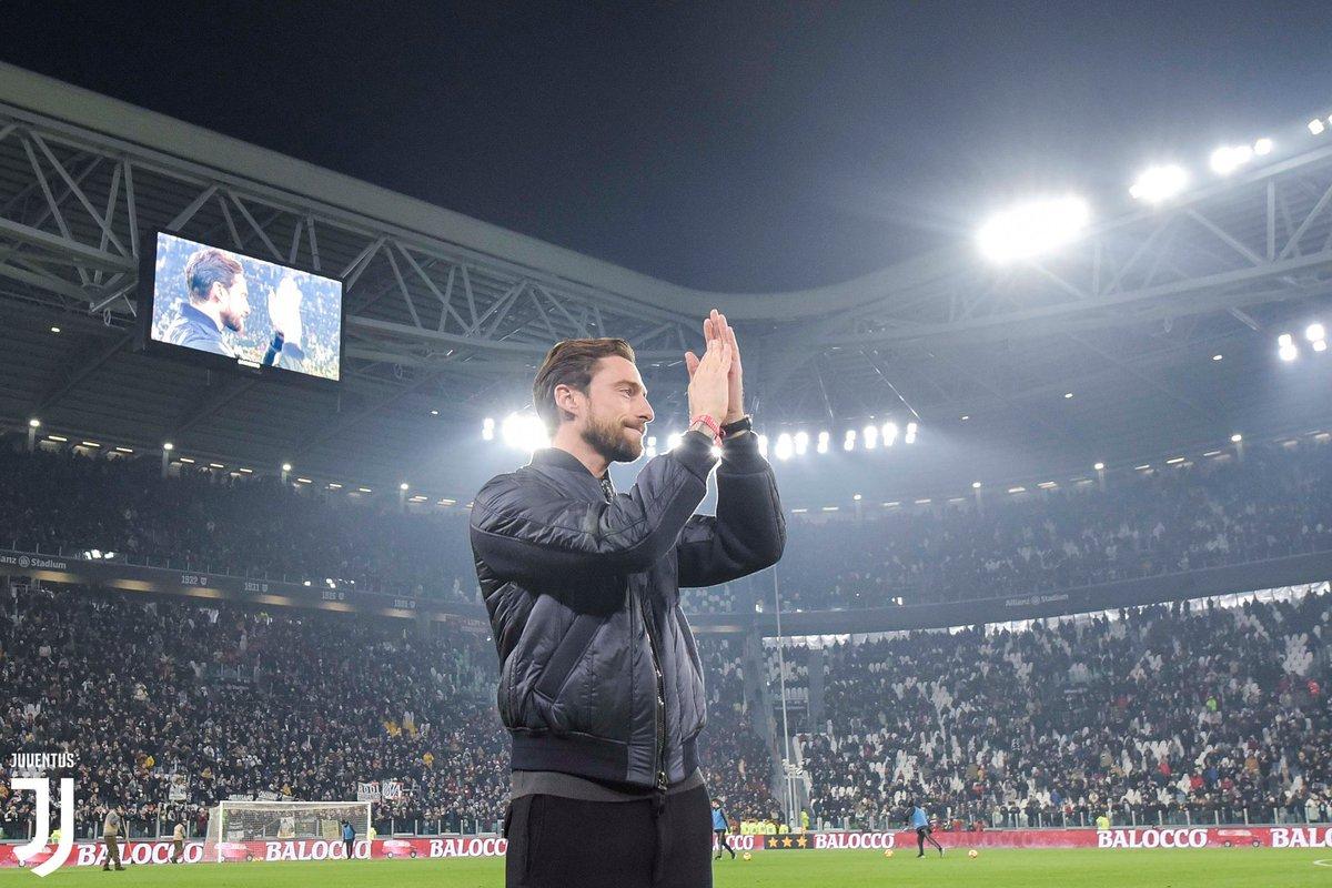 Celebriamo ancora il compleanno di @ClaMarchisio8 con alcune sue splendide giocate, powered by @Dugout  🎂⚫️⚪️👏 https://dgt.ltd/2FvjLfZ