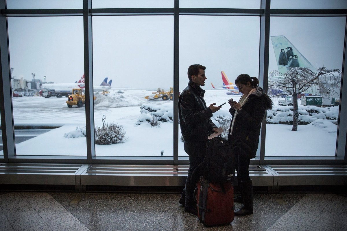 2,400+ flight cancellations, waivers expand to 87 airports from powerful winter storm: https://trib.al/0Ty1xva