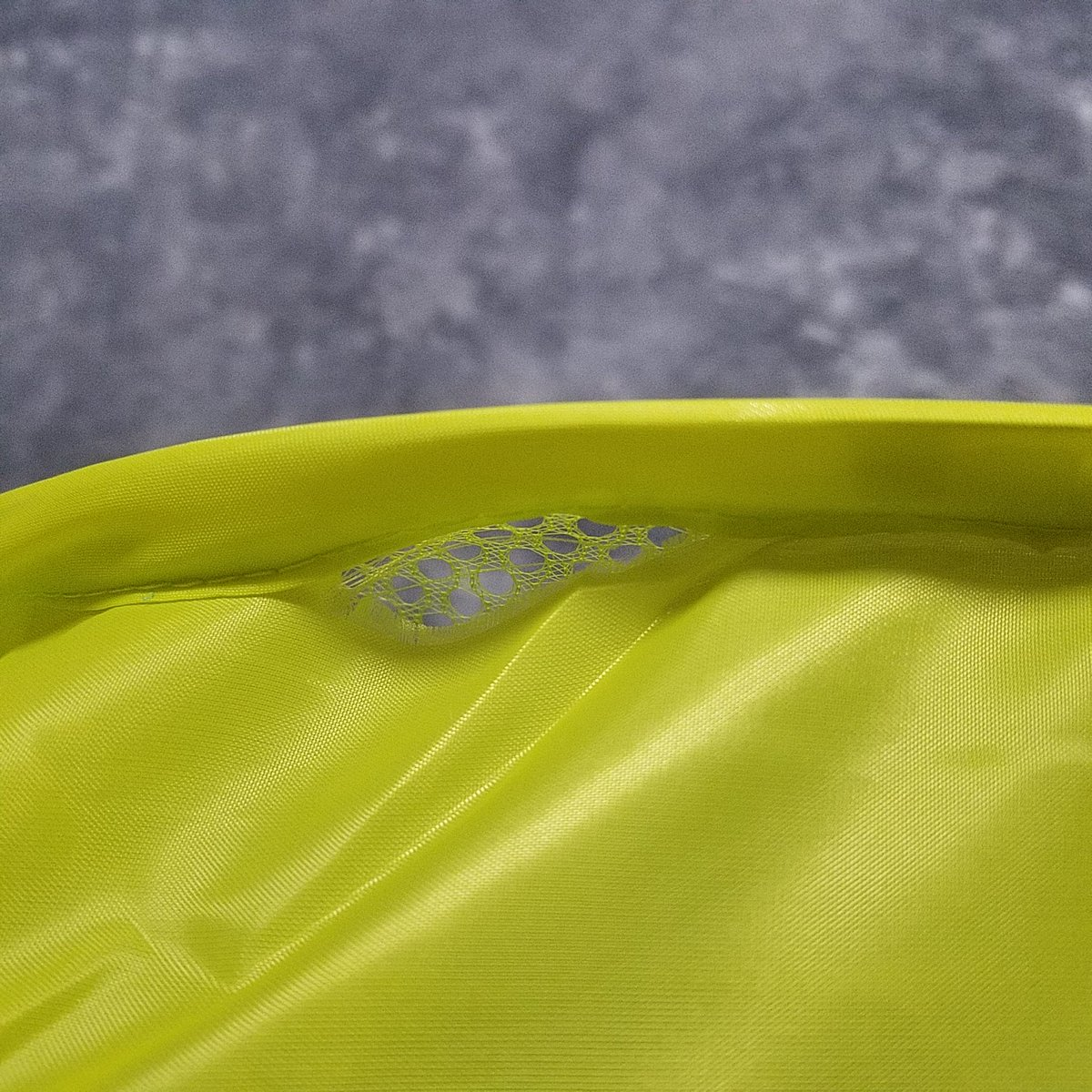 test ツイッターメディア - 自分で縫って直すか🙄 返品交換してもらうか🤔 迷うー😑💭 たかが100円されど100円🤨 #ダイソー  #近所のダイソーなら即持参だが #たまたま寄った車で30分の店 https://t.co/GT9tsDmveq