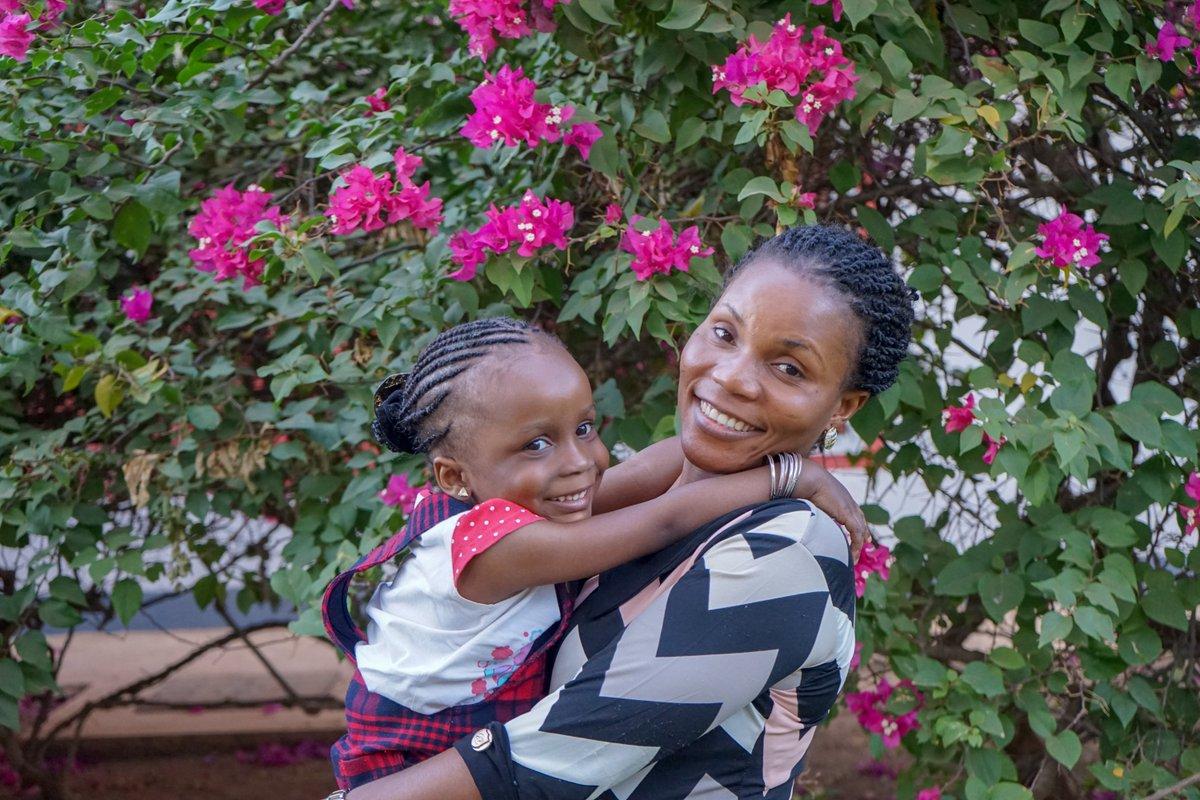 Dietro questo abbraccio raggiante c'è una storia, e due protagoniste: Miriam e la sua piccola Peace. Leggi il nostro blog dal #Sudan 👭https://t.co/IXNZnX199N