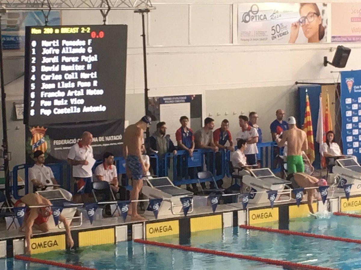 #openCat #natació El nostre nedador Carles Coll ha aconseguit ser campió de #Catalunya  Absolut en els 200m #braça, imposan't-se des de l'inici de la prova. Feia més de 10 anys que cap nedador del Club assolia aquesta fita, l'últim, Eduard Galdeano!