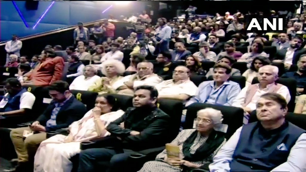 Respected @PMOIndia, inaugurated the first-of-it's-kind, Museum of Indian Cinema in Mumbai today. Truly, a #commendable initiative for the preservation of the #glorious Indian Cinema.  @ashabhosle @aamir_khan @arrahman  #SidK #MuseumofIndianCinema #PrimeMinister