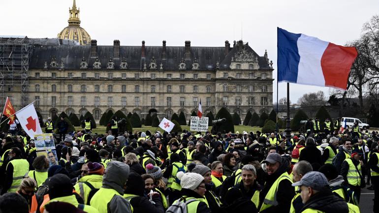 DIRECT.  'Gilets jaunes ' : le cortège parisien arrive à place d'Italie, seules 12 personnes ont été interpelléeshttps://t.co/2b0VXUQkBM