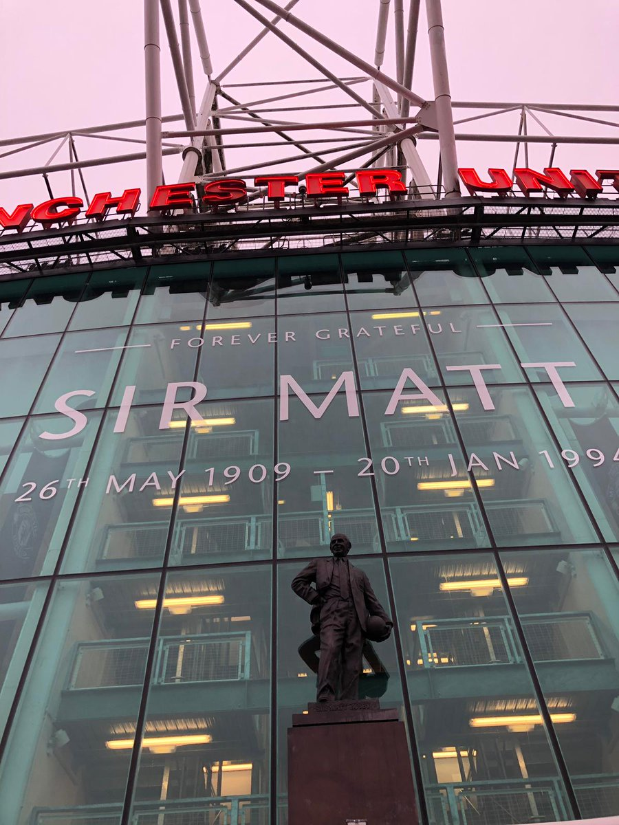 Paying tribute to a legend at Old Trafford. #MUFC