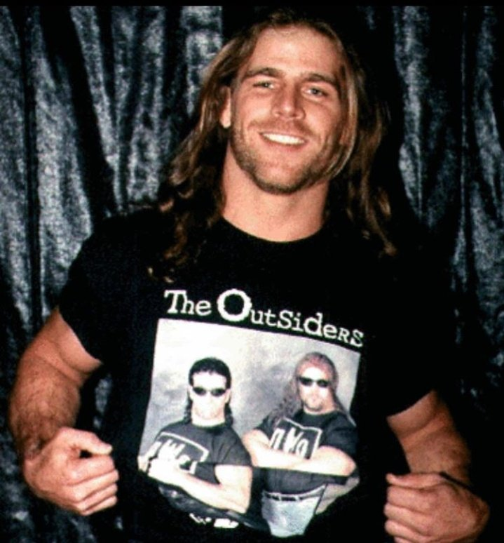 .@ShawnMichaels reppin' The Outsiders 🤘