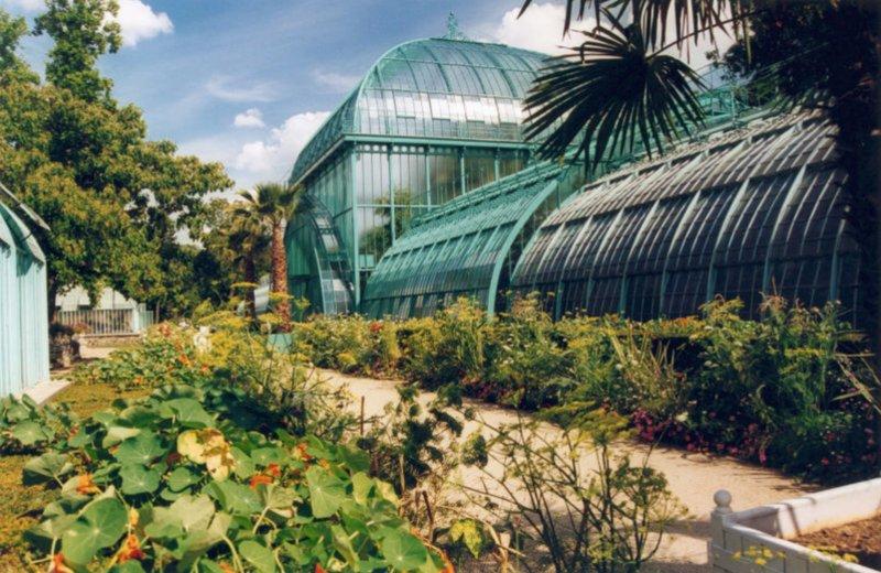Les mille trésors du Jardin des Serres d'Auteuil http://ow.ly/e46s30nnlnI