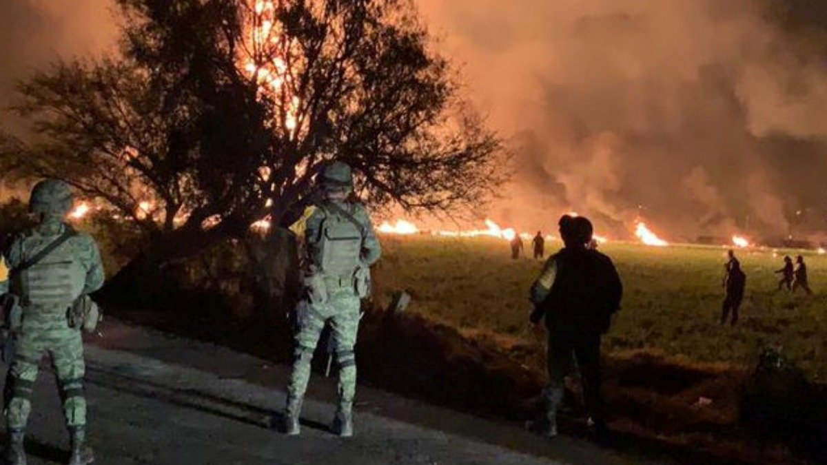 Dozens killed in Mexico fuel pipeline blast https://reut.rs/2DkMfqu