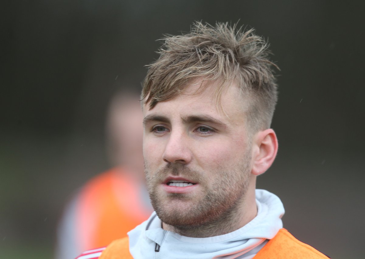 OFFICIAL: Man United confirm that Luke Shaw has been taken ill in the warm-up and as a result Diogo Dalot will replace him in the starting XI, with Matteo Darmian replacing Dalot among the substitutes.