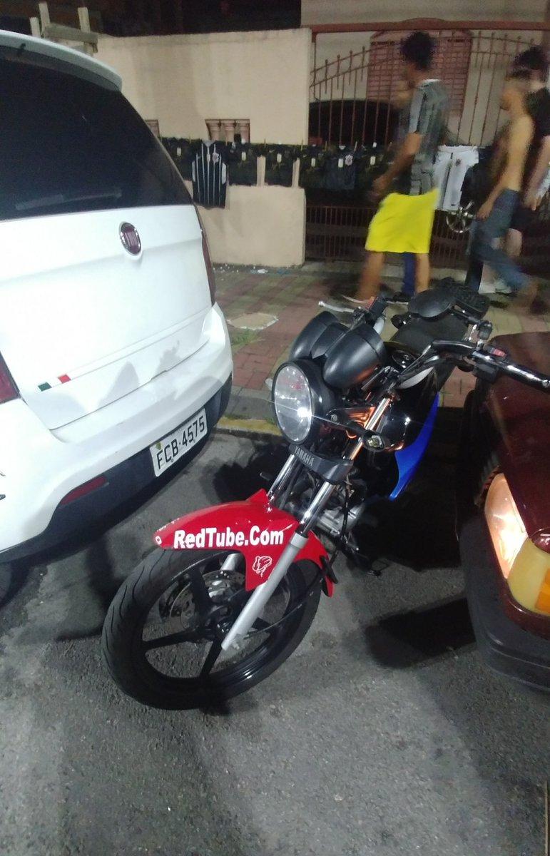 Ontem encontrei essa moto em Barueri e fiquei..... Mano, pq?