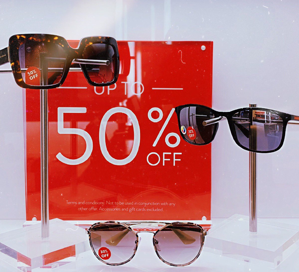 db647e7edc3c0 Dreaming of sunny weather  💭☀ Sunglass Hut currently have £40 off a second