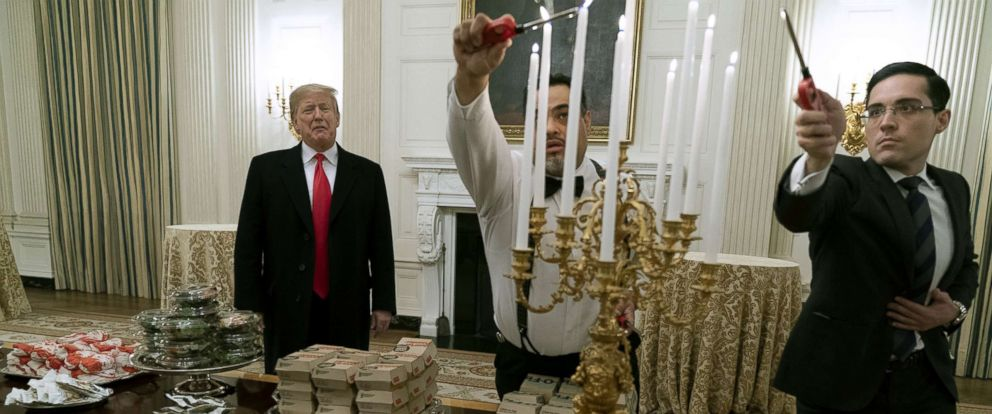 Chefs, rappers and celebrities offer to show Clemson Tigers 'a real feast' after Pres. Trump served the team fast food. https://t.co/3dSyUGCRwu