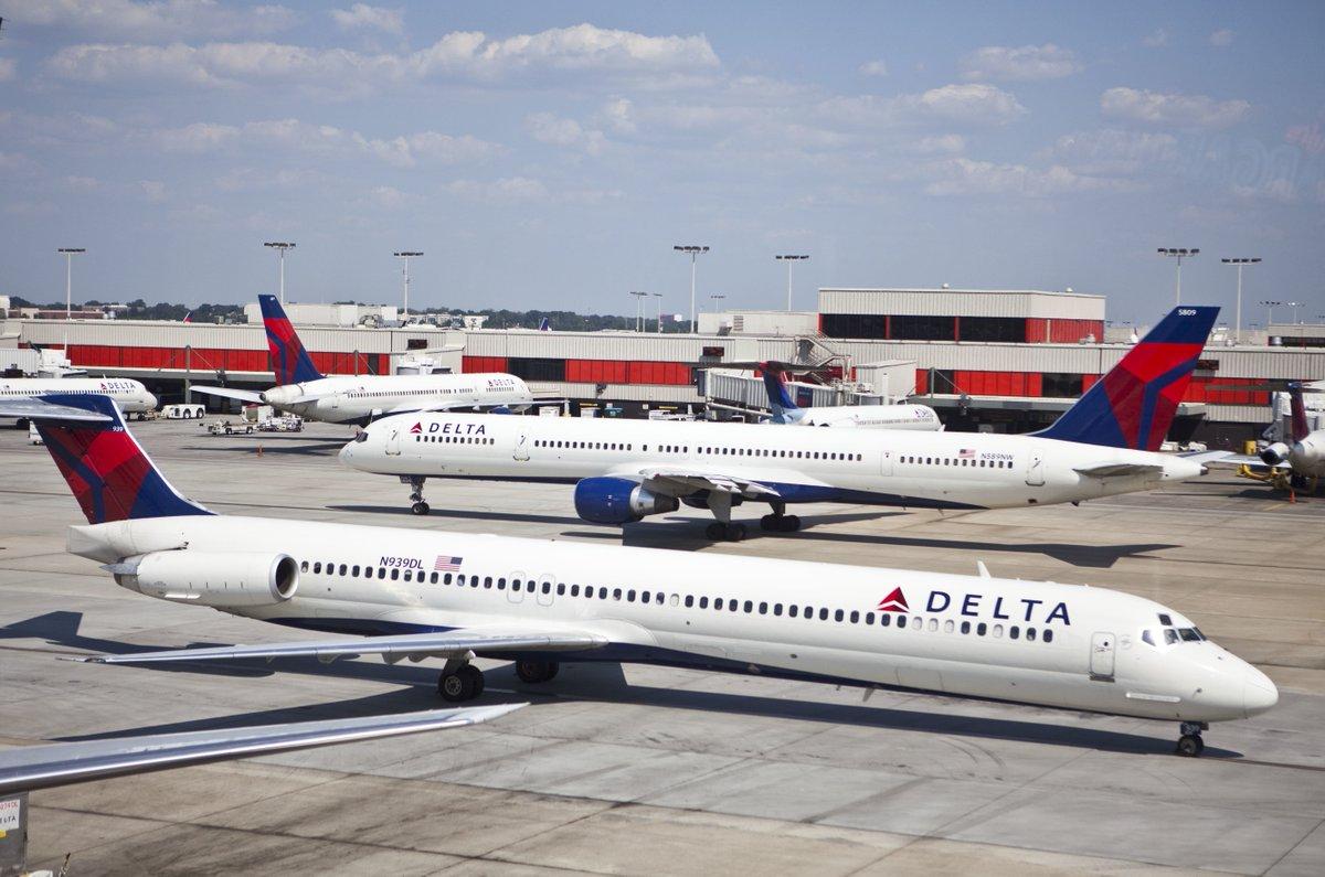 Flash sale: Delta domestic awards from 10,000 SkyMiles round-trip: https://trib.al/8nQnC5S